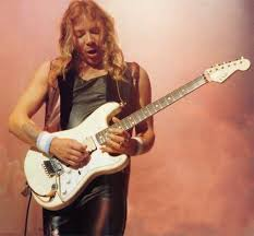 Dave Murray, toda una carrera en Iron Maiden